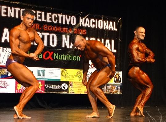 Ulises Elizondo (der.) fue el ganador del Mr. Coahuila.