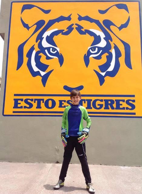 Diego González ya es jugador de básicas de Tigres.