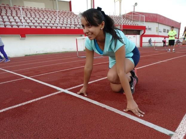Ximena Guadalupe Saucedo Romo es especialista en los 150 y 75 metros planos.