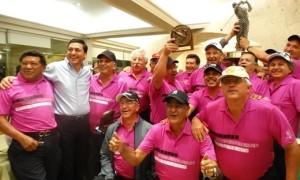 Los golfistas del Club Campestre de Saltillo celebran la conquista del máximo trofeo Seniors del Norte (Foto: Triunfo Deportivo / David Rodríguez).