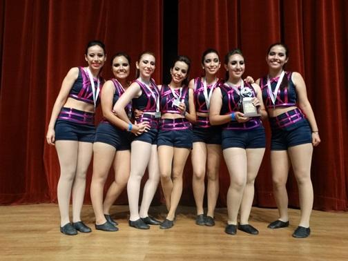 Los mejores grupos de baile y porra fueron premiados.