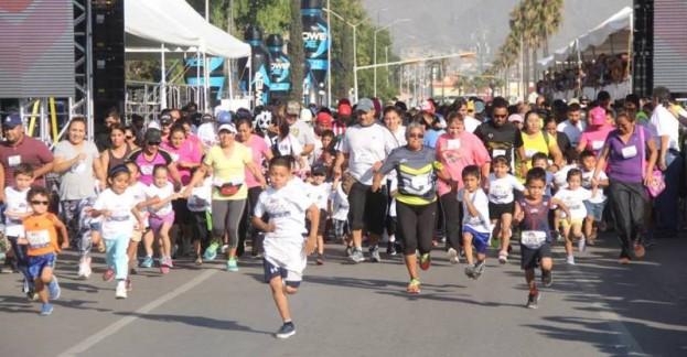 Los infantiles corrieron con entusiasmo, algunos acompañados de sus padres.