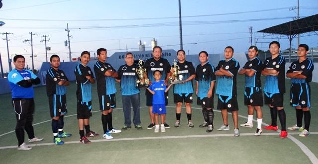 Los integrantes del Deportivo Ortega, un equipo que ya saboreó las mieles de un campeonato.