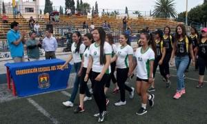 Participantes en la inauguración del Torneo Universitario de Futbol Bandera.