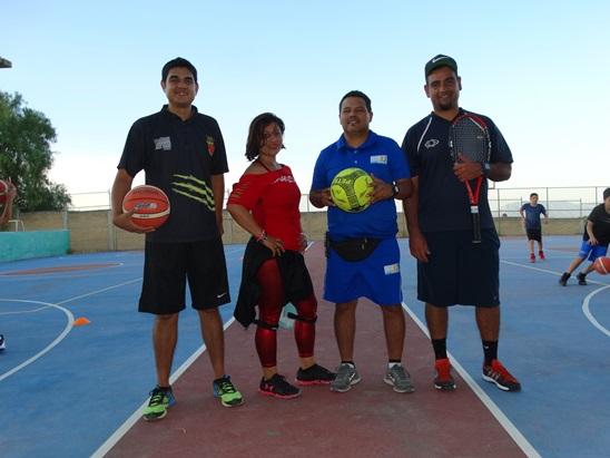 Los coordinadores de las academias, William Gaytán (basquetbol), Vanessa Cortez (baile), Carlos Flores (futbol) y Luis Marcelo García (tenis).
