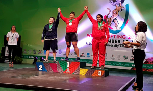 Gladis Bueno subió al podio para ganar tres medallas de bronce.