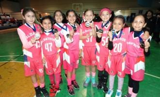 Uno de los equipos femeniles del Colegio Albatros que se proclamaron Campeones en la Olimpiada Municipal 2016.