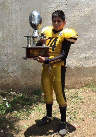 Fue Campeón en la temporada infantil con equipo de Ardillas.