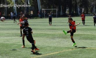 Vibrantes resultaron los partidos de la Copa. Acción de la categoría 2007, donde Tuzos Cantera fue el Campeón.
