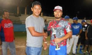 El lanzador de Lobos Lubis, Emmanuel Medina fue premiado como el Jugador Más Valioso de la Final.