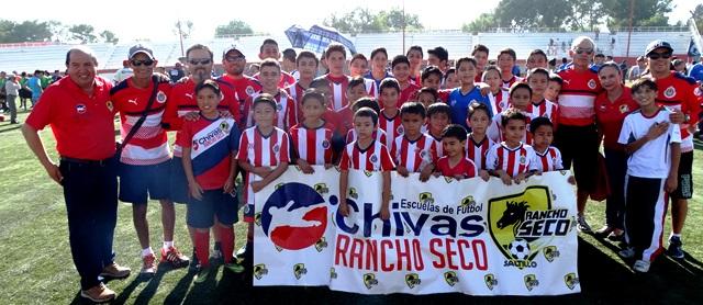 La Academia Chivas Rancho Seco presente en la inauguración de la Liga Lasallista de Futbol.