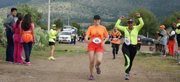 Las particiapantes disfrutaron la carrera.