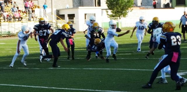 Aguilas de Saltillo vino de atrás en los juegos de Midget y Junior para llevarse el triunfo.