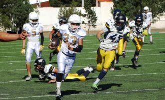Andy Razgado recorrió  80 yardas para lograr la anotación que dio la victoria a Aguilas de Saltillo en la categoría Junior,  donde los dorados llegaron a 7 triunfos sin derrota.