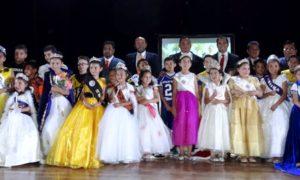 La reina de AFAIS, Ana Cristina  y cada una de las soberanas de los distintos clubes.
