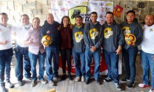 Directivos y cuerpo técnico del Deportivo Rancho Seco, con ellos Antonio Cepeda, director del deporte municipal.