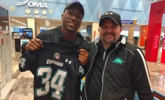 El jugador norteamericano Drew Davis ya está en México, listo para entrenar con Dinos.
