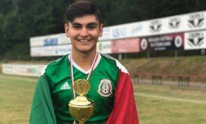 El futbolista saltillense Josué Martínez Huerta ya ha sido seleccionado nacional en años pasados jugado varios torneos internacionales.