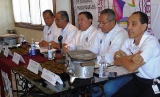 Los directivos del Tecnológico de Saltillo, encabezados por su director Arnoldo Solís, dieron a conocer los pormenores del Evento Prenacional Deportivo. (Foto: Gloria Esquivel)