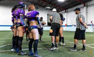 Las capitanas de VQueens antes del inicio del juego contra Vaqueras Monterrey.