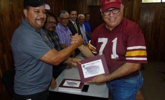 Los Campeones Castores de 1983 recibieron reconocimientos por parte del comité organizador del evento.